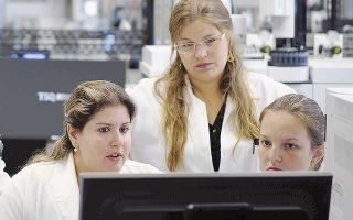 «Η ομάδα μας αποφάσισε να συγκεντρώσει μεγάλο μέρος των συστατικών αυτών σε μία ηλεκτρονική πλατφόρμα, να τα κατηγοριοποιήσει και να υπολογίσει τις φυσικές, χημικές και βιολογικές τους ιδιότητες, απαραίτητες για την περαιτέρω αξιοποίησή τους», δηλώνει στην «Κ» ο ιδρυτής της εταιρείας και ερευνητής στο Εθνικό Ιδρυμα Ερευνών Παν. Ζουμπουλάκης.