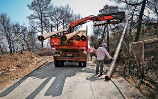 Εργασίες αποκατάστασης στο Μάτι. Μέσα σε δύο ημέρες οι αιτήσεις για ενίσχυση για κατεστραμμένο σπίτι ή επιχείρηση ξεπέρασαν τις 1.000.