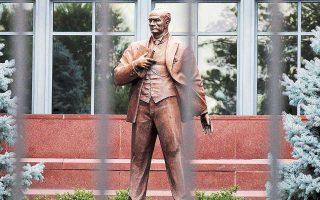 Αγαλμα του Κεμάλ Ατατούρκ έξω από την τουρκική πρεσβεία στην Ουάσιγκτον.