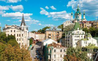 Ο μπαρόκ ναός του Αγίου Ανδρέα αποτελεί κομμάτι της εκκλησιαστικής κληρονομιάς της πόλης. (Φωτογραφία: © Getty Images/Ideal Image)