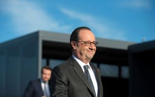 French President Francois Hollande arrives at the L2 Clerissy technical centre to inaugurate the L2 East new motorway section in Marseille, France, December 8, 2016.  REUTERS/Bertrand Langlois/Pool