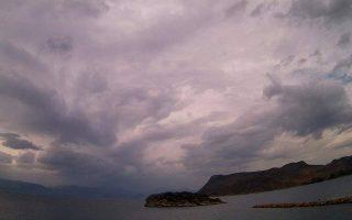 chalaei-o-kairos-tin-kyriaki-amp-8211-vroches-kai-ptosi-tis-thermokrasias0
