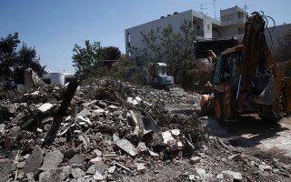 Οι κάτοικοι σε Νέο Βουτζά και Μάτι βρίσκονται αντιμέτωποι με πολλά προβλήματα, μεταξύ αυτών και με τη δόση του ΕΝΦΙΑ για το καμένο σπίτι τους.