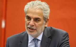 Ο Επίτροπος Ανθρωπιστικής Βοήθειας και Διαχείρισης Κρίσεων, Χρήστος Στυλιανίδης (Α) και ο αναπληρωτής υπουργός αρμόδιος για τη Μεταναστευτική Πολιτική  Ιωάννης Μουζάλας (δεν εικονίζεται)  κατά τη διάρκεια της συνέντευξης τύπου στο πλαίσιο της 81ης ΔΕΘ που πραγματοποιήθηκε στο Ν.Γερμανός της Helexpo ΔΕΘ. Θεσσαλονίκη, Σάββατο 10 Σεπτεμβρίου 2016. ΑΠΕ ΜΠΕ/PIXEL/ΣΩΤΗΡΗΣ ΜΠΑΡΜΠΑΡΟΥΣΗΣ