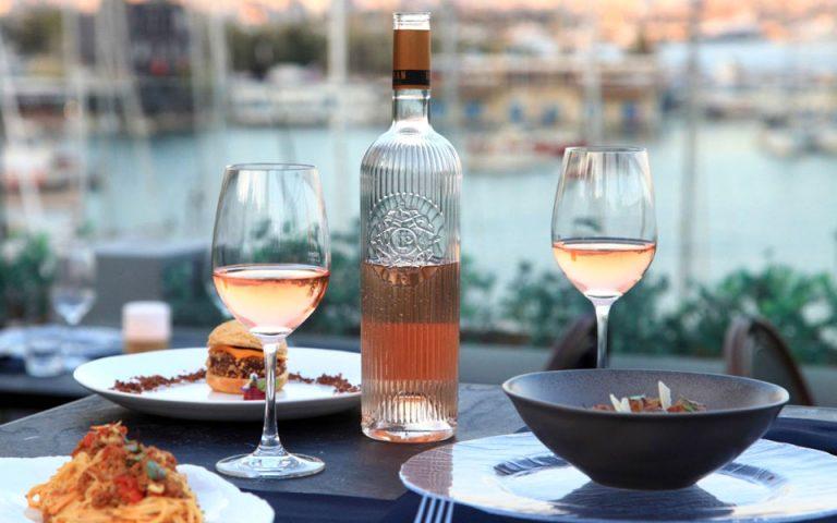 Bites and Wine: Στην πιο ωραία ταράτσα του Πειραιά