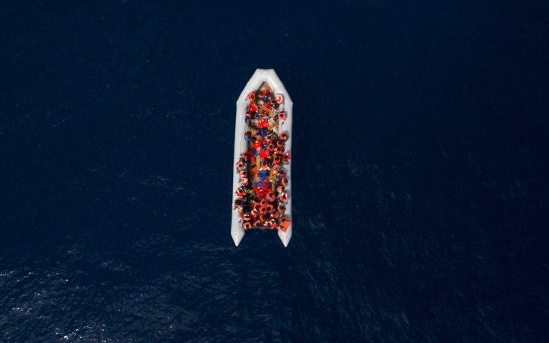 Mάλτα: Διασώθηκαν 100 μετανάστες που επέβαιναν σε πλεούμενο -Ανασύρθηκαν δύο σοροί