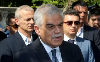 ΦΩΤΟ ΑΡΧΕΙΟΥ (17/6/2017) – Ο αναπληρωτής υπουργός για την Προστασία του Πολίτη, Νίκος Τόσκας, σύμφωνα με σχετική ανακοίνωση του γραφείου Τύπου του πρωθυπουργού, κατά τη διάρκεια της συνάντησης του με τον πρωθυπουργό Αλέξη Τσίπρα (ΔΕΝ ΕΙΚΟΝΙΖΕΤΑΙ) στο Μέγαρο Μαξίμου και με δεδομένο ότι έχει παρέλθει η κατάσταση έκτακτης ανάγκης, επανήλθε στην παραίτηση που είχε καταθέσει στον Πρωθυπουργό την προηγούμενη εβδομάδα. Ο Πρωθυπουργός έκανε δεκτή την παραίτηση του κου Τόσκα και τον ευχαρίστησε για την συνεργασία όλων των τελευταίων χρόνων. Παρασκευη 3 Αυγούστου 2018 ΑΠΕ-ΜΠΕ/ΑΠΕ-ΜΠΕ/Παντελής Σαίτας