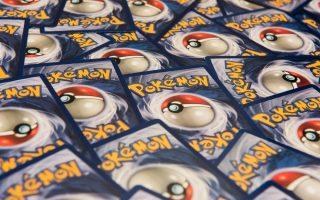 koyti-me-kartes-pokemon-toy-1999-poylithike-gia-56-000-dolaria0
