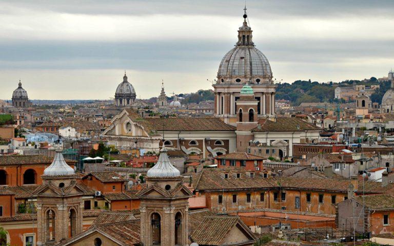 Η Ρώμη διαψεύδει ότι ζητεί βοήθεια από την ΕΚΤ