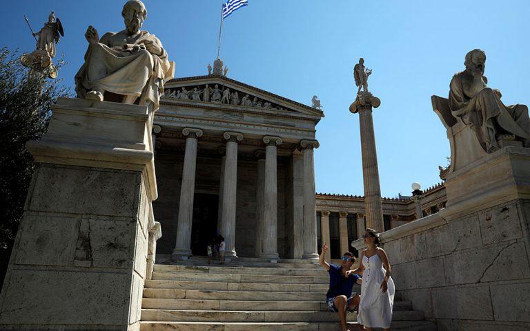 Reuters: Δέσμια των πιστωτών παρά τις… σαμπάνιες η Ελλάδα