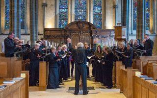 Η English Chamber Choir θα παρουσιάσει έργα συνθετών που εμπνεύστηκαν από το Βυζάντιο, τη δυτική μουσική παράδοση και τη ρωσική θρησκευτική παράδοση, όπως των Θεοδωράκη, Τάλις, Τσαϊκόφσκι.