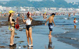 Μόλις μια ώρα από το Τόκιο, η Γιουιγκαχάμα είναι από τις πιο δημοφιλείς παραλίες.