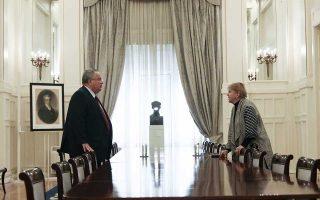 Στιγμιότυπο από τις χθεσινές συζητήσεις ανάμεσα στον υπουργό Εξωτερικών Νίκο Κοτζιά και την ειδική απεσταλμένη του γ.γ. των Ηνωμένων Εθνών για το θέμα Τζέιν Χολ Λουτ.