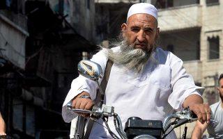 Μαχητής των αντικαθεστωτικών στο κέντρο του Ιντλίμπ.