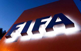 Απόφαση δικαστηρίου των Βρυξελλών αμφισβητεί τη δικαιοδοσία του Ανωτάτου Αθλητικού Δικαστηρίου, όμως η Λωζάννη δηλώνει ότι το ζήτημα μπορεί να επιλυθεί με μια επαναδιατύπωση των κανονισμών της FIFA.