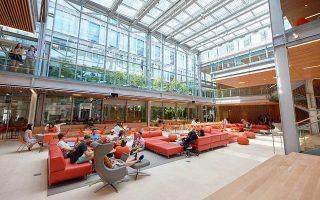 Κατάλληλο χώρο για brainstorming και δημιουργικές συζητήσεις προσφέρει η νέα πτέρυγα του Χάρβαρντ.