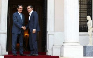 Οι κ. Αλέξης Τσίπρας και Νίκος Αναστασιάδης, κατά τη χθεσινή συνάντησή τους στο Μέγαρο Μαξίμου, συνομίλησαν μεταξύ άλλων για τις εξελίξεις στα ενεργειακά και στις ευρωτουρκικές σχέσεις.
