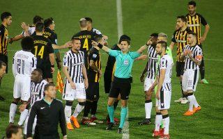 Υστερα από το περυσινό επεισοδιακό ντέρμπι στο πρωτάθλημα, η ΑΕΚ επιστρέφει στην Τούμπα με στόχο να διατηρήσει ή να αυξήσει τη διαφορά από τον ΠΑΟΚ, για τον οποίο δεν υπάρχει άλλο αποτέλεσμα πέρα από τη νίκη.
