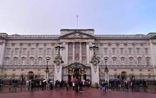 Buckingham Palace is pictured in central London, on January 28, 2014. British lawmakers on Tuesday took aim at Queen Elizabeth II's household accountants, saying they must cut their costs and tackle a huge backlog of repairs to the monarch's crumbling palaces. Some of Buckingham Palace's 775 rooms have not been refurbished for 60 years, a palace official told MPs. AFP PHOTO / CARL COURT