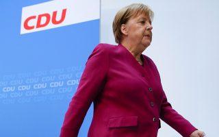 Η καγκελάριος Μέρκελ χθες στο Βερολίνο. Η υπόθεση Μάασεν ήταν η δεύτερη κρίση σε διάστημα τριών μηνών για μια κυβέρνηση που σχηματίστηκε με χίλιες δυσκολίες πριν από έξι μήνες.