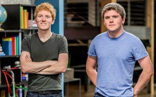 Οι αδελφοί Πάτρικ και Τζον Κόλιζον, ιδρυτές της Stripe, που κατάγονται από την Ιρλανδία, συγκαταλέγονται μεταξύ των νεότερων δισεκατομμυριούχων στον κόσμο.