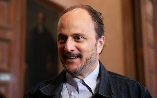 «H λογοτεχνία δεν είναι το κατάλληλο όχημα για πολιτικές δηλώσεις», είπε ο Τζέφρι Ευγενίδης.