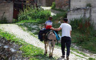 Ελάχιστοι είναι οι κάτοικοι που έχουν παραμείνει στην Γκουργκουνίτσα. Οι περισσότεροι έχουν μεταναστεύσει στο εξωτερικό, όπου εργάζονται και στέλνουν τα χρήματα στην πατρίδα.