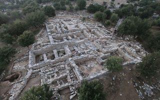 sto-fos-simantikes-archaiologikes-anakalypseis-stin-kriti-fotografies-2271360