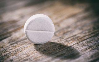 ereyna-megalyteres-oi-elpides-epiviosis-gia-karkinopatheis-poy-pairnoyn-taktika-aspirini0