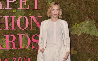 H Cate Blanchett με κοσμήματα Chopard στο πράσινο χαλί των Green Carpet Fashion Awards, Italia