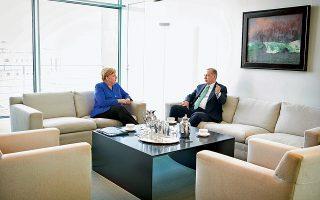 Αγκελα Μέρκελ και Ταγίπ Ερντογάν αρχίζουν τις διαβουλεύσεις στη γερμανική καγκελαρία. Ο Τούρκος πρόεδρος βρίσκεται στη Γερμανία για τριήμερη επίσκεψη, που ολοκληρώνεται σήμερα.