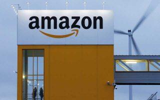 Η Amazon έγινε χθες η δεύτερη εταιρεία στην ιστορία, μετά την Apple, που έχει κεφαλαιοποίηση ύψους άνω του 1 τρισ. δολαρίων.