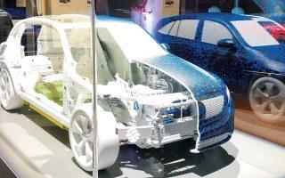 Η παραγωγή του μοντέλου EQC, του πρώτου της σειράς ηλεκτροκίνητων EQ, θα ξεκινήσει το πρώτο εξάμηνο του 2019. Μέχρι το 2022, η Mercedes σχεδιάζει να έχει ολοκληρώσει την παραγωγή δέκα μοντέλων ηλεκτροκίνητων αυτοκινήτων, συμπεριλαμβανομένης της μάρκας Smart.