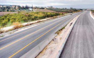 Το υπ. Υποδομών επισήμως προχωρεί στους αμέσως επόμενους αναδόχους, αναφορικά με τη διαδικασία υπογραφής της σύμβασης κατασκευής των πρώτων τριών εργολαβιών (από τις οκτώ συνολικά) του πολύπαθου οδικού άξονα Πάτρα - Πύργος.