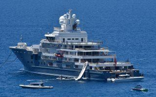 Το πολυτελές γιοτ ANDROMEDA αγκυροβολημένο στον κόλπο της Αρβανιτιάς στο Ναύπλιο, Δευτέρα 4 Ιουνίου 2018. Στο πλοίο επιβαίνουν ξένοι τουρίστες οι οποίο μάλιστα έκαναν το μπάνιο τους στην θάλασσα χρησιμοποιώντας τον σύγχρονο εξοπλισμό του πολυτελούς σκάφους. Το γιοτ πωλήθηκε πρόσφατα το 2017 στην τιμή των 175 εκατομμυρίων δολαρίων. Έχει δυνατότητα φιλοξενίας 30 επισκεπτών σε 15 καμπίνες, φέρει πλήρωμα 40 ατόμων. ΑΠΕ-ΜΠΕ /ΑΠΕ-ΜΠΕ/ΜΠΟΥΓΙΩΤΗΣ ΕΥΑΓΓΕΛΟΣ