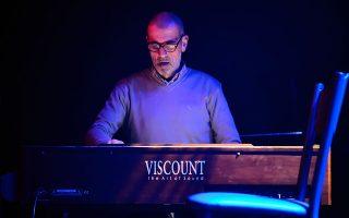 Μια εορταστική συναυλία του Γιώργου Κοντραφούρη για τα δέκα χρόνια του «Baby Trio».