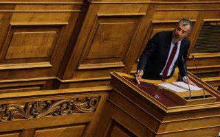Ο επικεφαλής του Ποταμιού, Σταύρος Θεοδωράκης, μιλάει στη συζήτηση και ψήφιση επί της αρχής των άρθρων και του συνόλου του Σ/Ν του Υπουργείου Εσωτερικών