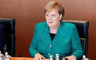 Η προσέγγιση της Αγκελα Μέρκελ στο όλο θέμα με τις συντάξεις σχετίζεται τόσο με τις εξελίξεις στην Ιταλία όσο και με τις ισορροπίες στο εσωτερικό της Γερμανίας.