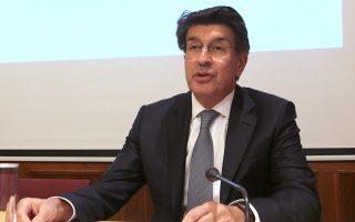 Ο πρόεδρος του ΣΕΒ Θεόδωρος Φέσσας συνέδεσε τις πρόσφατες αρνητικές εξελίξεις στη χρηματιστηριακή αγορά με το έλλειμμα εμπιστοσύνης των επενδυτών στην ελληνική οικονομία, αλλά και με την αναποτελεσματική διαχείριση των κόκκινων δανείων από τις τράπεζες.
