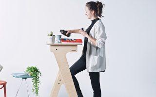 Τα γραφεία επιτρέπουν στους εργαζομένους να κάθονται ή να στέκονται κατά τη διάρκεια της εργάσιμης ημέρας.