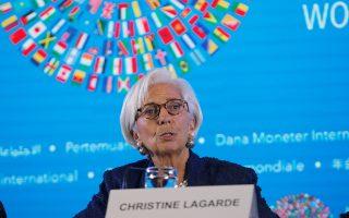 Η γενική διευθύντρια του ΔΝΤ Κριστίν Λαγκάρντ άκουσε τα επιχειρήματα του υπουργού Οικονομικών Ευκλείδη Τσακαλώτου υπέρ της μη περικοπής των συντάξεων, αλλά δεν φαίνεται να άλλαξε στάση.