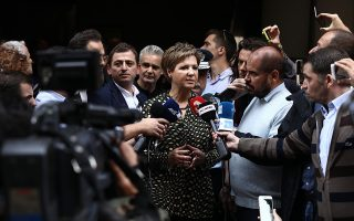 Η υπουργός Προστασίας του Πολίτη Ολγα Γεροβασίλη πραγματοποίησε χθες συμβολική επίσκεψη στο Αστυνομικό Τμήμα Ομονοίας.