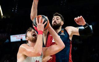 O Mιλουτίνοφ με 23 πόντους και 11 ριμπάουντ ήταν ο πολυτιμότερος παίκτης του αγώνα και ο Ολυμπιακός πήρε τη νίκη με ολοκληρωτικό μπάσκετ.