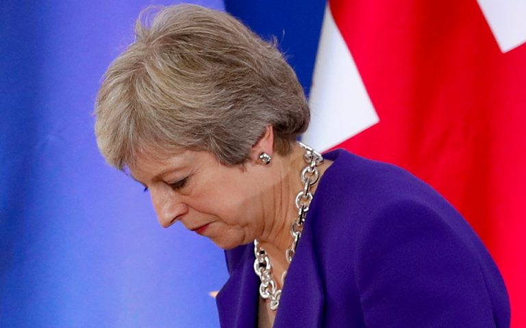 Βρετανία: Η πιο δύσκολη εβδομάδα για τη Μέι