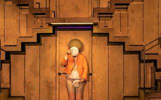 Η άστοχη διανομή των ηθοποιών, το μεγάλο μειονέκτημα του έργου «Το Σώσε», στη Στέγη.