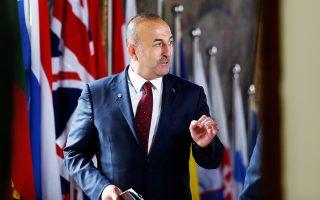 Ο Τούρκος υπουργός Εξωτερικών Μεβλούτ Τσαβούσογλου κατηγόρησε την Αθήνα για «λαϊκισμό» ως προς το ζήτημα των 12 ν.μ.