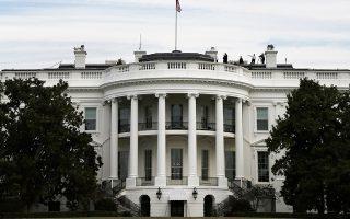 Οι εμπορικές διαβουλεύσεις μεταξύ Ουάσιγκτον και Πεκίνου έχουν «παγώσει» από τα τέλη Σεπτεμβρίου, όταν ο Λευκός Οίκος προχώρησε στην επιβολή νέων δασμών.