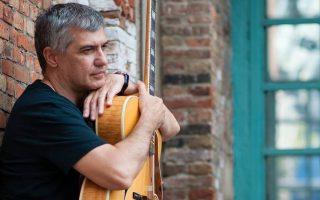 Ο δεξιοτέχνης της κιθάρας Μάκης Αμπλιανίτης θα είναι επίσης στο Jazzet.