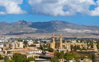 Η Wall Street Journal αναφέρει ότι η Κύπρος είναι αποδέκτης άμεσων ξένων επενδύσεων από τη Ρωσία.