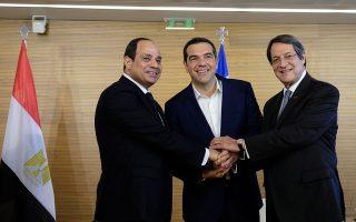 al-tsipras-stirixi-stin-kypro-gia-tin-aoz-enanti-opoiasdipote-apeilis0